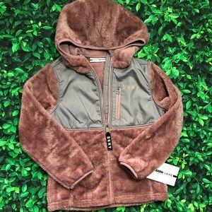 🎄 NWT | DKNY fuzzy jacket | 7-8 | small | sport